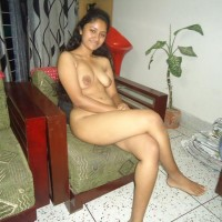 Hot Young Indian Call Girl Nude Images 1.th Indian call girl nude sitting on sofa exposing boobs & Pussy