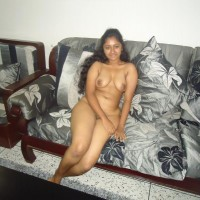 Hot Young Indian Call Girl Nude Images 3.th Indian call girl nude sitting on sofa exposing boobs & Pussy