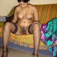 Aunty Strips Saree Shows Boobs Pussy 7.th Indian aunty stripping saree nude exposing big boobs & pussy