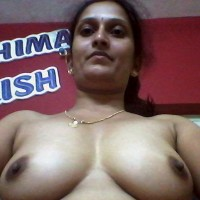 Hot Indian Aunty Showing Her Big Milky Jugs 1.th Hot Indian aunty exposing big boobs on webcam