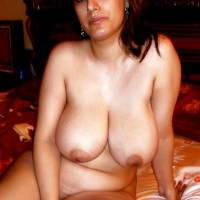 Pakistani Aunty With Big Boobs Nude Images 3.th Muslim Pakistani aunty nude exposing huge boobs & pussy to lover