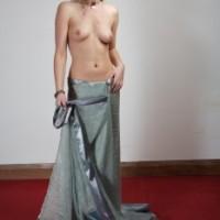 06da00166416574.th Blonde Videshi stripping saree nude exposing hot boobs & pussy