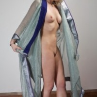8ac7d1166417327.th Blonde Videshi stripping saree nude exposing hot boobs & pussy