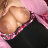 Big Boobs Chubby Desi Girl Topless Pics 4.th Super hot Indian girl showing huge boobs & nipples on birthday