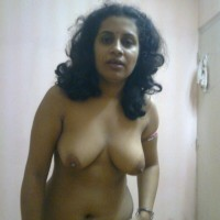 Big Tits Indian Bhabhi Topless Pics 2.th Indian housewife nude at home exposing big boobs to hubby