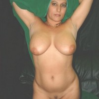 Pakistani Bhabhi Nude Showing Boobs Pussy Pics 3.th Hot muslim aunty nude big boobs and shaved pussy show photos