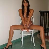 Young Desi Girl Posing Nude At Home Pics 1.th Young indian girl nude at home posing boobs and ass photos
