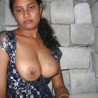 Indian Milf Showing Big Boobs Nipples Pics 3.th Sexy indian milf outdoor exposing huge boobs and nipples