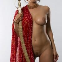 thakuraiennangihogayi3.th Sunny Leone In Half sari Posing Beautiful Boobs and pussy
