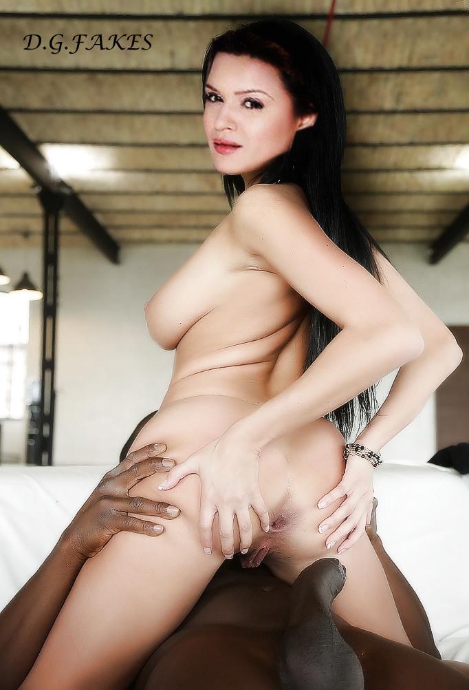 Urvashi Dholakia Sex Mobile Optimised Photo For Android Iphone