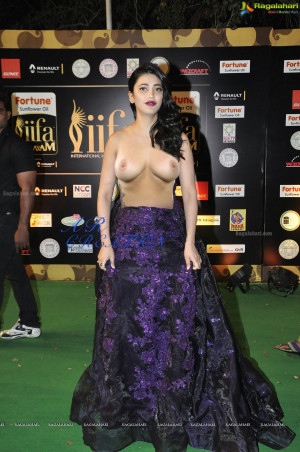 [Image: shruti-haasan-iifa-hot-photos1014copy.md.jpg]