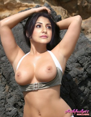 sharma nude Anushka fake