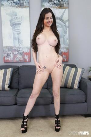 Kaley cuoco new nude pics