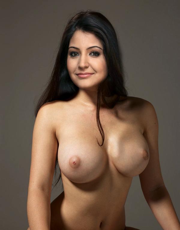 Anushka sharma boob naka de photo