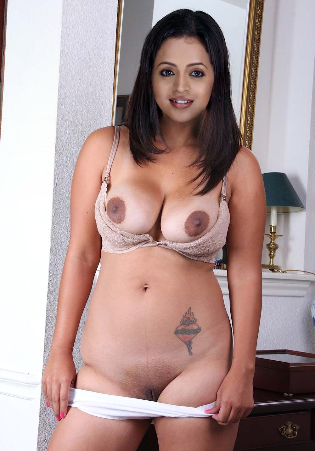 Busty latina milf nude, model nude young