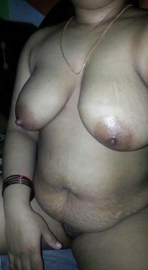 Tharki Aunty Ki Mast Nange Selfie Photos 005