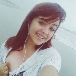 Cute-Pune-Teen-With-Braces-Naked-Ass--Boobs-Selfies