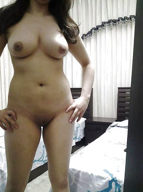 Stunning-Shimla-Girl-Nude-At-Home-Teasing-Bf_003.jpg