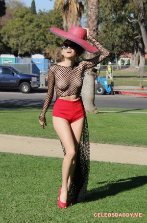 Blanca-Blanco-See-Thru-Boobs-Flashing-In-LA-Park.jpg