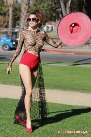 Blanca-Blanco-See-Thru-Boobs-Flashing-In-LA-Park_001.jpg