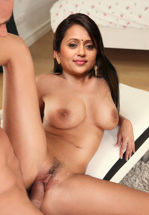 Pakistani Actress Sunita Marshall
