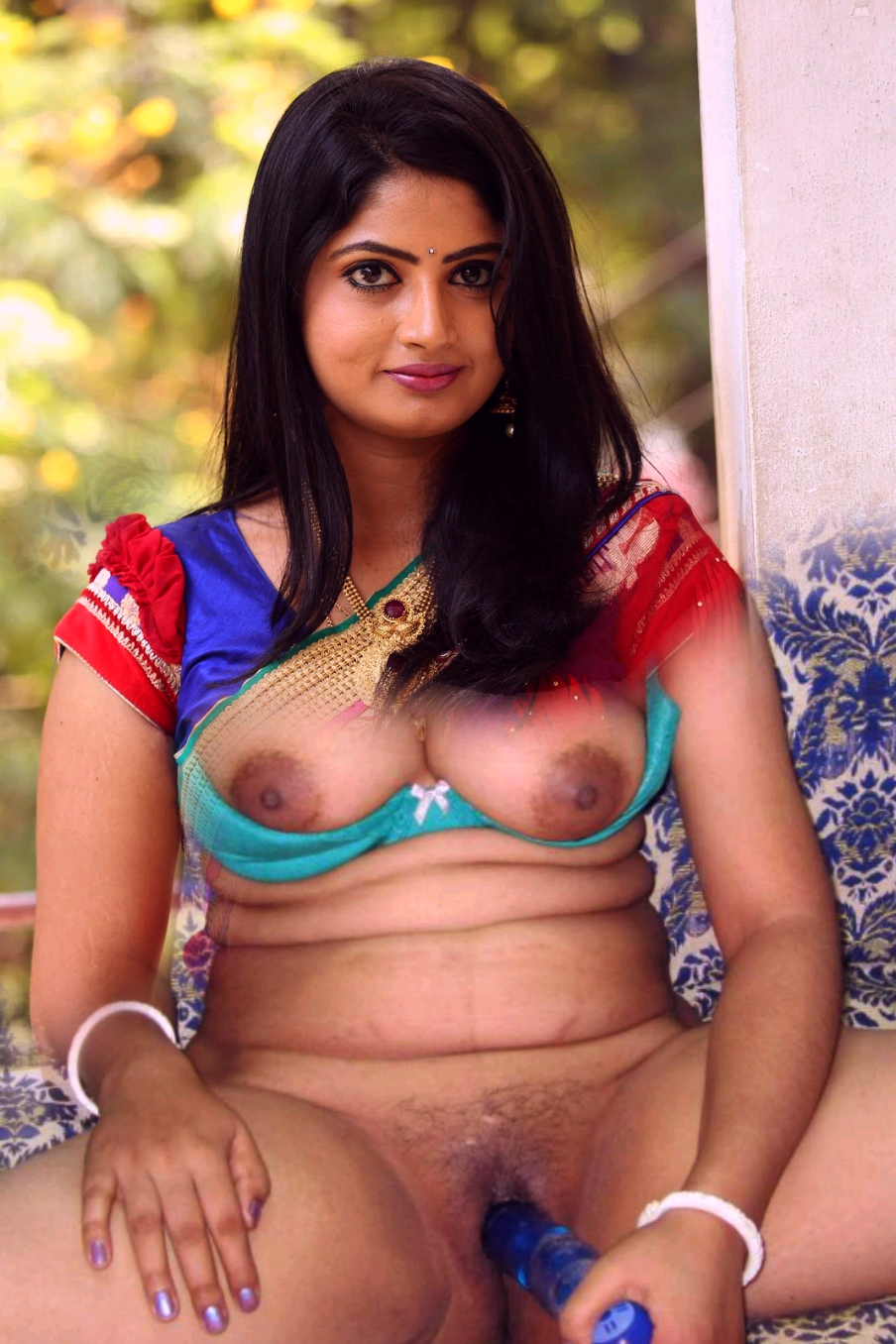 Tamil Actress Trisha Bathroom Photo Free Pics