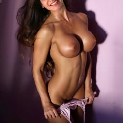 Samantha-cute-boobs