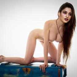 Thamann-nude
