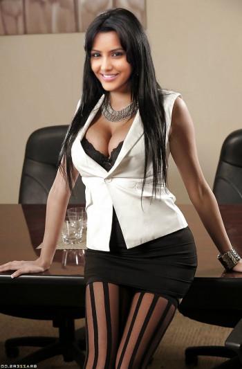 [Image: Priya-Anand-boobs-1.md.jpg]