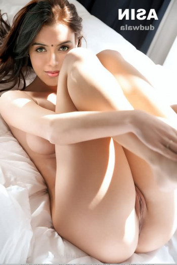 [Image: actress-asin-fakes-8.md.jpg]
