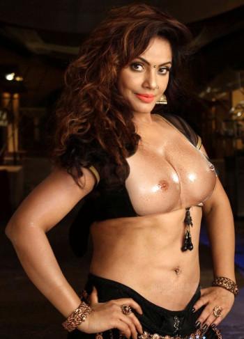 [Image: Neetu-Chandra-open-blouse-sexy-boobs-nud...oto.md.jpg]