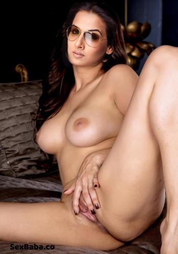 Very Sexy Vidya Balan Naked Hot Photo