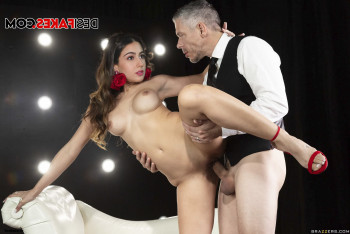 [Image: sara-ali-khan-nude-fakes-40.md.jpg]