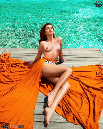 [Image: Tara-Sutaria-Nude-Fakes-20.md.jpg]