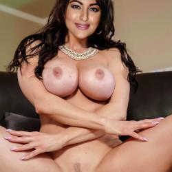 Sonakshi-sinha-Nude-Fakes-27
