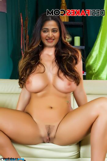 Anushka-Shetty-Nude-Fakes-19.jpg