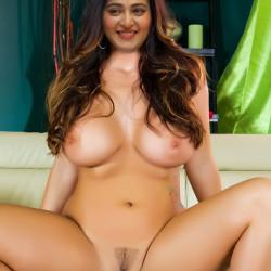 Anushka-Shetty-Nude-Fakes-19