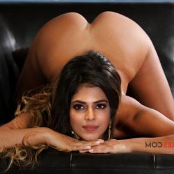 Malavika-Mohanan-nude-fakes-6