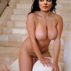 Malavika-Mohanan-nude-fakes-9