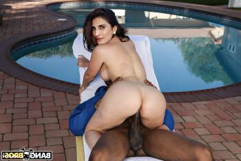 [Image: Vani-Kapoor-Nude-Fakes-2.md.jpg]