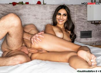 [Image: Vani-Kapoor-Nude-Fakes-5.md.jpg]