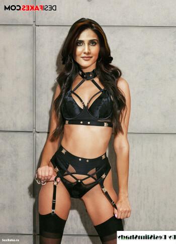 [Image: Vaani-Kapoor-Nude-Porn-Naked-Sex-Fakes-11.md.jpg]