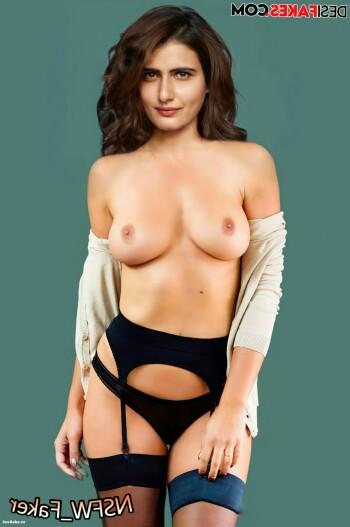 [Image: Fatima-Sana-Shaikh-Nude-Fakes-8.md.jpg]
