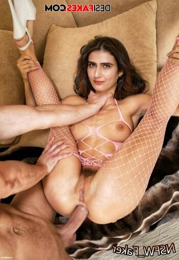 [Image: Fatima-Sana-Shaikh-Nude-Fakes-9.md.jpg]