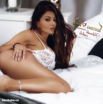 Urvashi-Rautela-Nude-Fakes-9.jpg